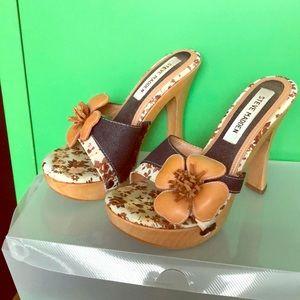 Wood heel with flowers